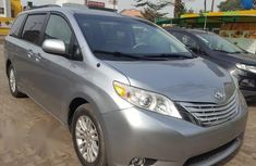 Clean Toyota Sienna 2014 Blue for sale