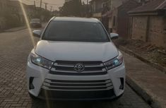 Toyota Highlander 2018 XLE 4x2 V6 (3.5L 6cyl 8A) White for sale