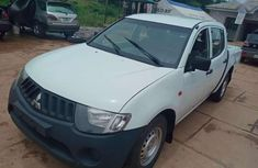 Neat Mitsubishi L200 for Sale