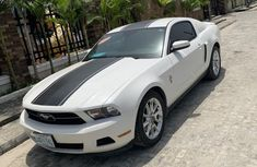 Ford Mustang 2012 White for sale