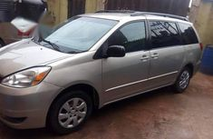 Toyota Sienna 2004 Silver for sale