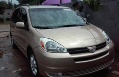 Toyota Sienna XLE 2005 Gold for sale