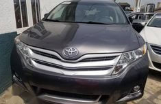 Toyota Venza 2010 AWD Gray for sale