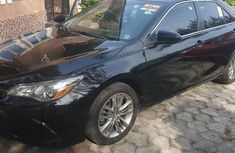 Toyota Camry 2016 Black for salle