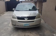 Toyota Sienna 2005 XLE Silver for sale