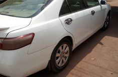 Toyota Camry Hybrid 2010 White for sale
