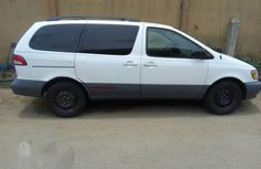 Toyota Sienna 2001 White for sale
