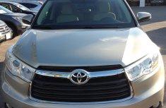 American used clean Toyota Highlander XLEGold
