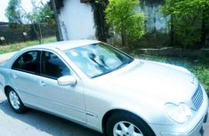 Mercedes C 200,2003 model white for sale