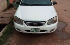 Kia cerato 2008 model white for sale
