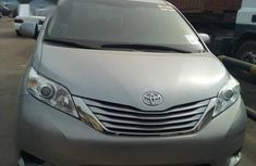 Toyota Sienna 2016 Silver for sale