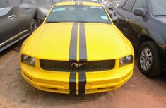 Tokunbo Ford Mustang 2006 Yellow for sale