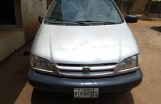 Clean Toyota sienna 1999 for sale