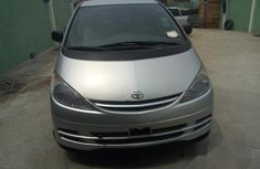Toyota Previa 2001 Automatic Gray for sale