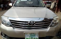 Toyota Fortuner 2012 Gold