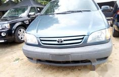 Toyota Sienna 2003 gray for sale