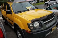 Nissan Xterra 2002 Yellow for sale