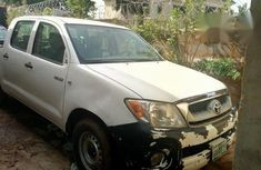 Toyota Hilux 2006 White for sale