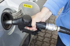What are the pros and cons of diesel engine?