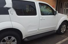 Nissan Pathfinder 2006 SE 4x4 White for sale