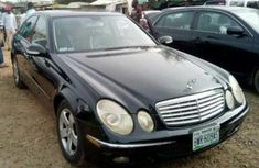 angular-front-of-the-Mercedes-Benz-E350-2007