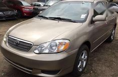 Toyota Corolla 2000 Gold color for sale