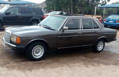 Mercedes-Benz 200 1982 Brown for sale