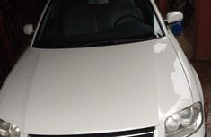 Volkswagen Passat 2005 White for sale