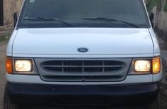 Ford E-250 2002 White for sale