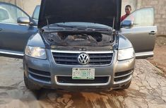 Volkswagen Touareg 2006 4.2 V8 Tiptronic Gray for sale