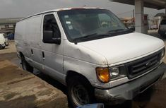 Ford Econoline 2006 Whitefor sale