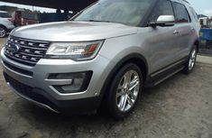 Almost brand new Ford Explorer Petrol for sale