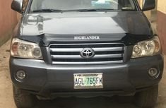 Neatly used Toyota Highlander 2006 for sale