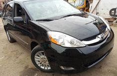 Toyota Sienna 2009 Automatic Petrol ₦2,900,000 for sale