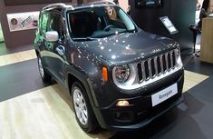 Check out the new 2019 Jeep Renegade Limited 1.6 120hp TD!