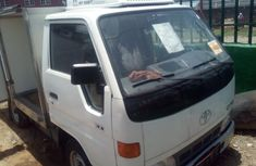Toks 2000 White Toyota Dyna for sale