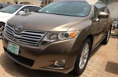 Very clean Toyota Venza 2010 Brown color for sale