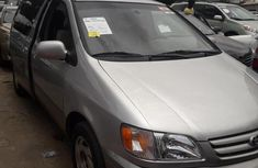 Newly arrived Toyota Sienna 2002 Gold color for sale