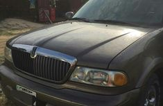Lincoln Navigator 2002 Brown  for sale