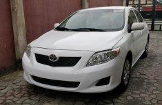 Neat Toyota Corolla 2010 White for sale