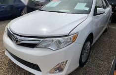 Toyota Camry 2014 White color for sale