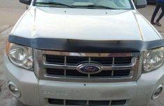 Super clean Ford Escape 2008 gray color for sale