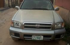 Nissan Pathfinder 2001 Gray for sale