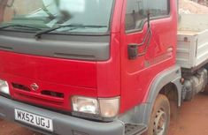 Nissan Cabstar 2004 Red fro sale