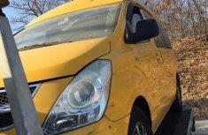 Hyundai Satellite 2009 Yellowfor sale