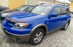 Mitsubishi Outlander 2003 Blue for slae