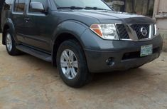 Nissan Pathfinder LE 2005 Gray for sale