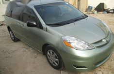 Toyota Sienna 2008 Green for sale