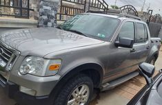 CLEAN FORD EXPLORER 8 @ GIVE AWAY PRICE