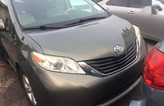 Toyota Sienna 2012 Green for sale